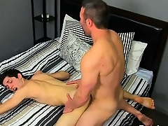 Gay clip be fitting of He gets aloft his knees bent over in all directions deepthroats Brock's kno