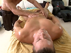 Metrosexual rafter gets his flannel sucked by well-pleased masseur
