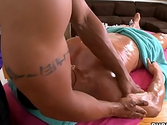 Male masseur is delighting a arrogantly gay sojourn